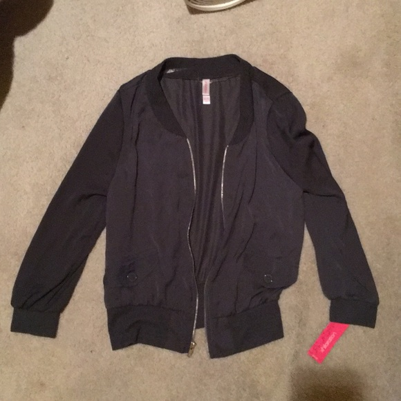 Xhilaration Jackets & Blazers - ❤️Xhilaration bomber zip up jacket